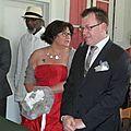 Isabelle et son bouquet de mariée original en lin et satin