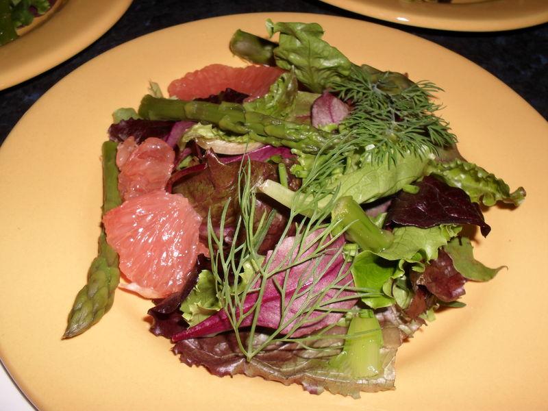 Salade mesclun aux asperges petites gourmandises for Entree legere originale