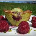 Variation autour des muffins à la pistache :muffins pistache et framboise ou coeur de chocolat fondant