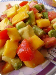 Lentilburger_mangoSalad3