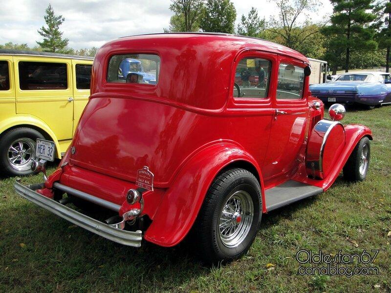ford-victoria-1932-02