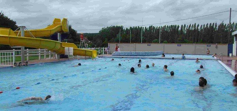 La piscine municipale de nogent le roi est ouverte for Piscine nogent