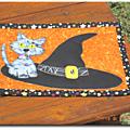 Mug rug # octobre : a cat on the hat