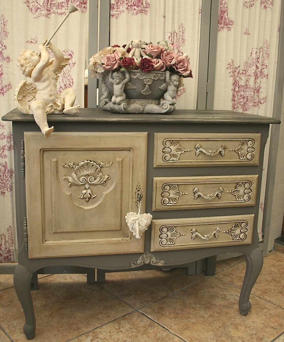 Adorable meuble en ch ne de style louis xv commode patin e for Meuble style louis 15