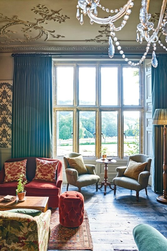 drawing-room-at-the-pig-at-combe-hotel-devon-conde-nast-traveller-18oct16-james-merrell