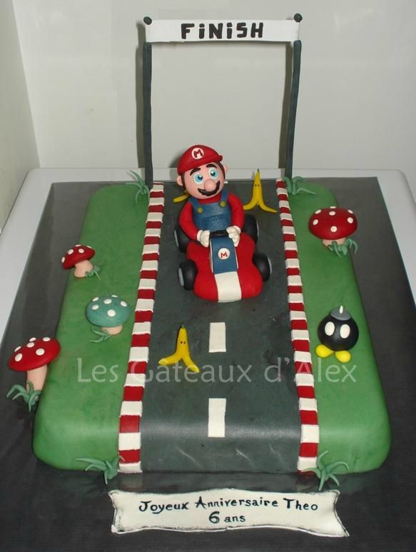 G teau mario kart les gateaux d 39 alex for Idee deco kart cross