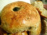 petits pains aux herbes et olives