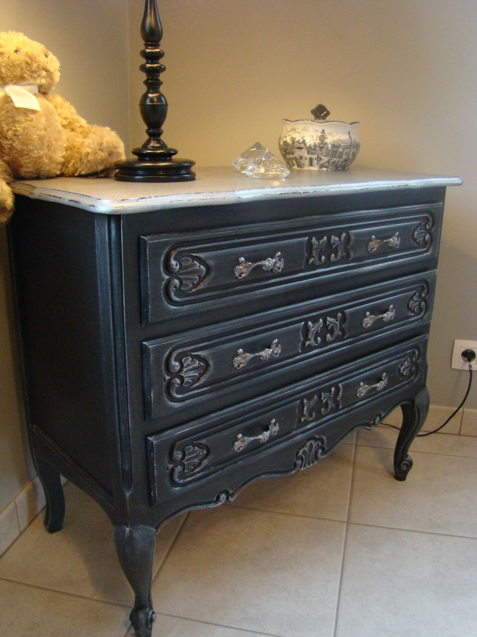 commode ancienne noire. Black Bedroom Furniture Sets. Home Design Ideas