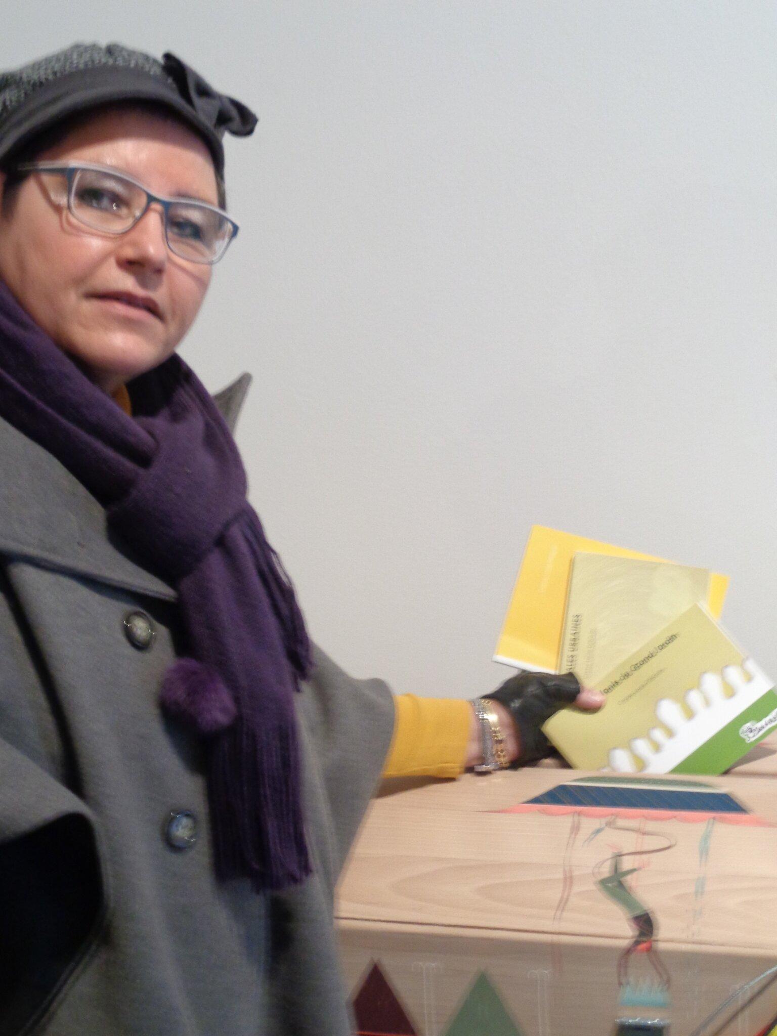 Charleroi, l'urne à souhaits, Carine-Laure Desguin et ses lecteurs de 2066!