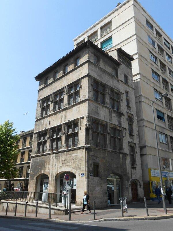 Hôtel de Cabre, plus vieille maison de Marseille (1535)