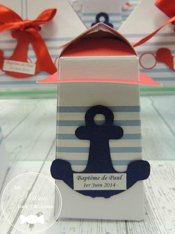 Ballotin dragees bapteme sujet enfant phare mer nautique voilier bateau voile ancre marine etiquette bleu blanc rouge