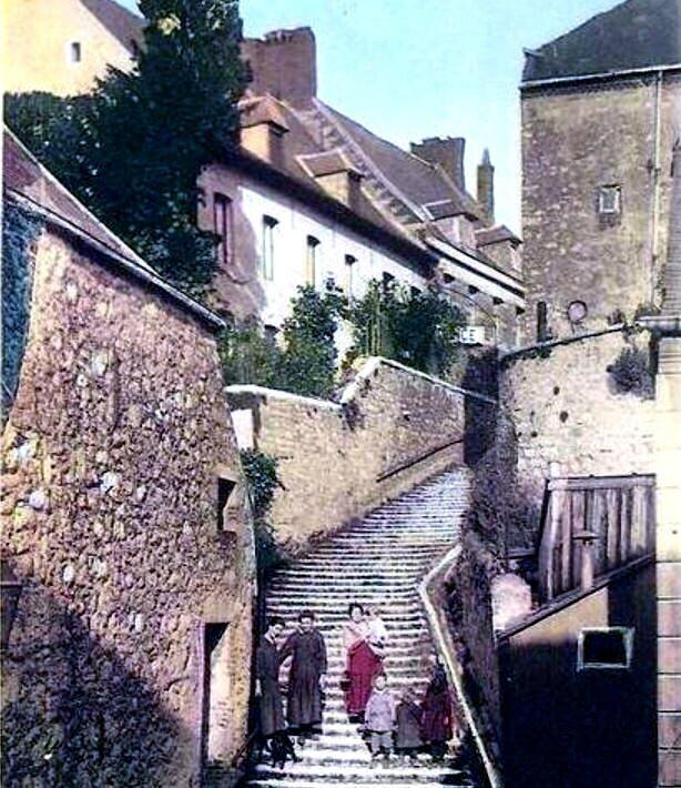 TRELON-Escalier Royal