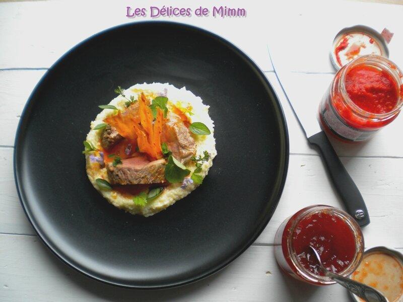Steak de canard à la gelée de piment, polenta crémeuse au parmesan et tuiles au piment