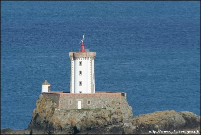 phare lost pic actuellement