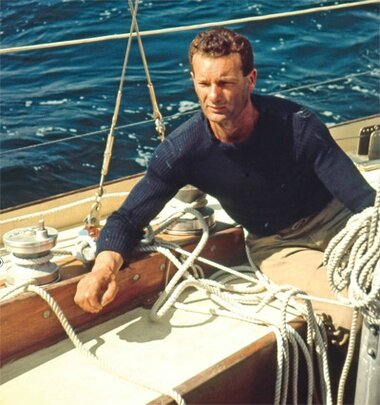 __ric_tabarly_9414_north_380x_transparent