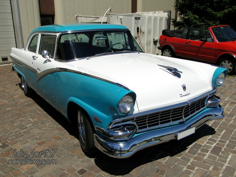 ford-fairlane-club-sedan-1956-01