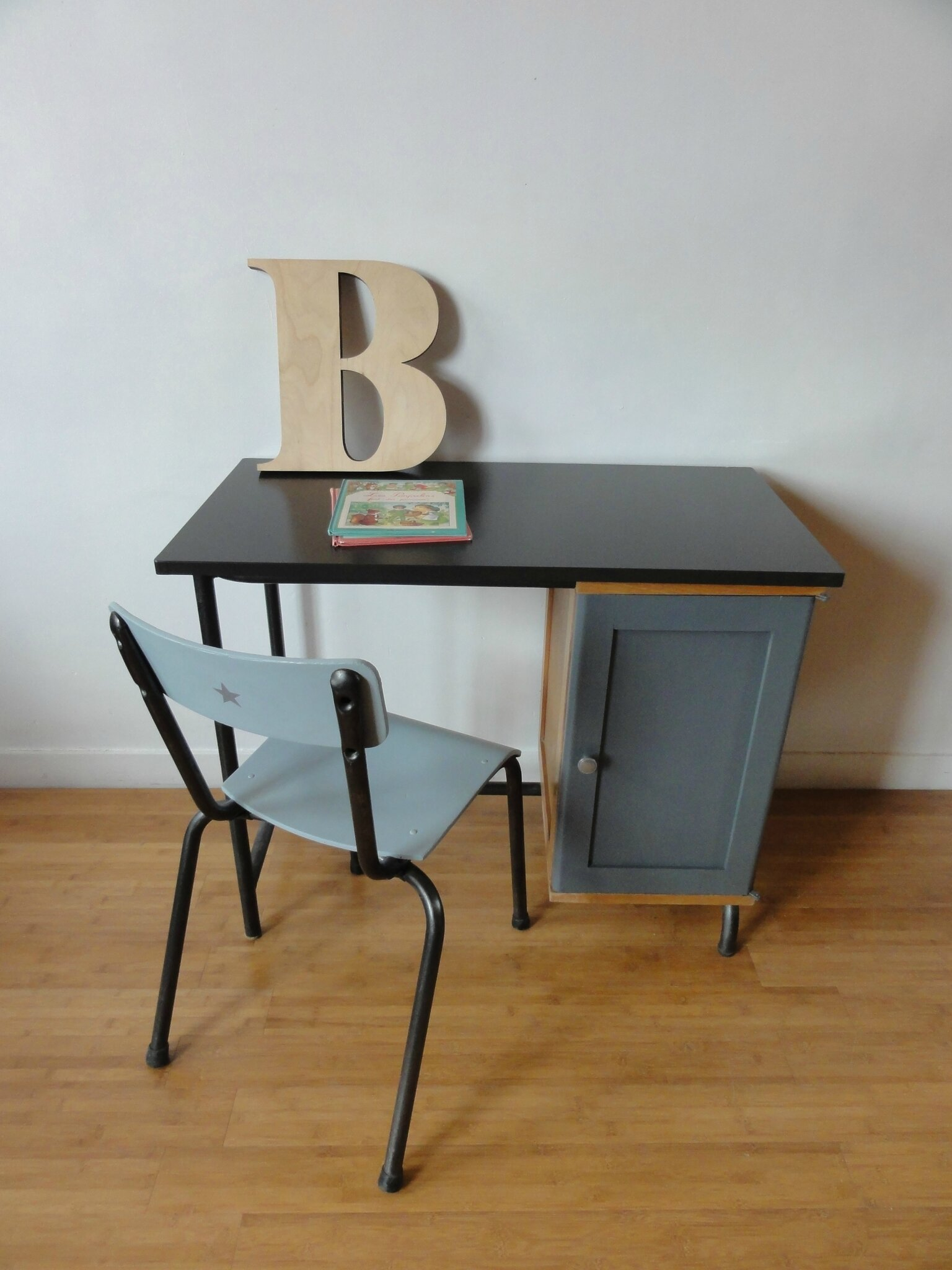 bureau ecole annees 60 vintage moi. Black Bedroom Furniture Sets. Home Design Ideas