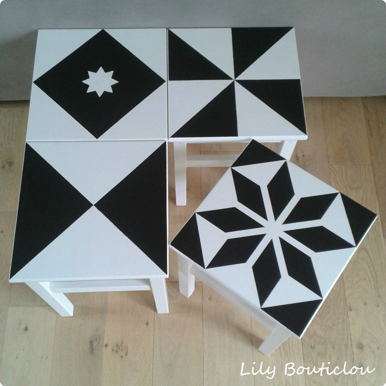 relooking des tabourets ikea oddvar fa on carreaux de ciment lily bouticlou. Black Bedroom Furniture Sets. Home Design Ideas