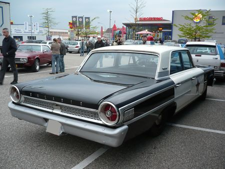 FORD_Galaxie_500_4door_Sedan_Police_Cruiser_1963_Offenbourg__2_