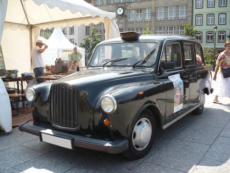 LONDON_TAXI_INTERNATIONAL_Taxi_Fairway_moteur_Nissan_Strasbourg___place_Kleber__1_