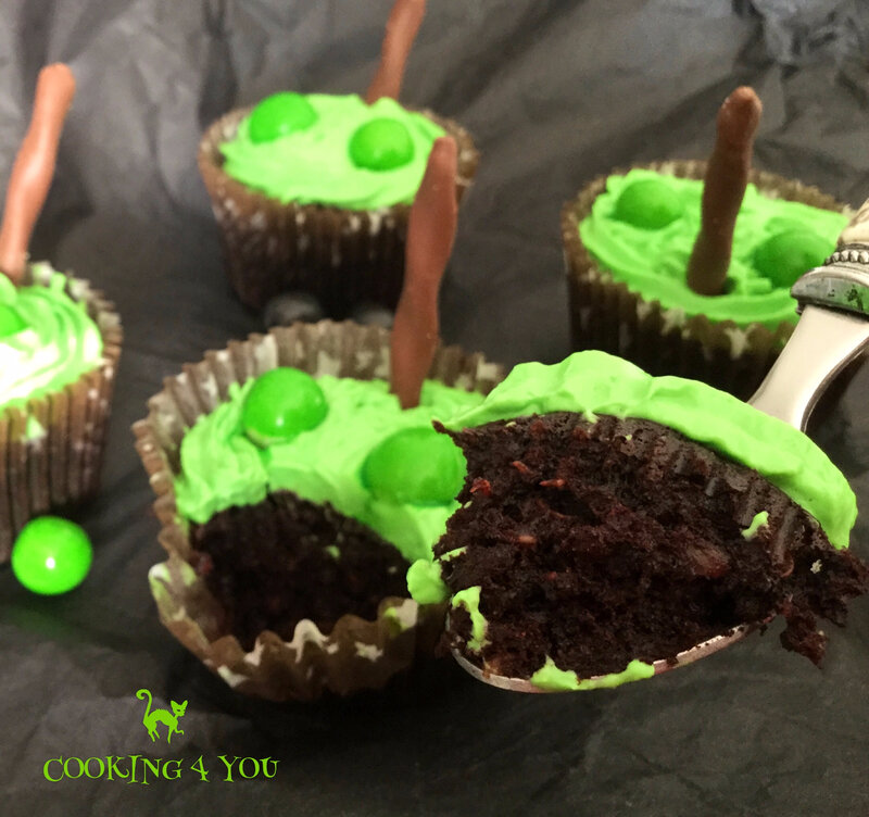 cup cakes halloween 043