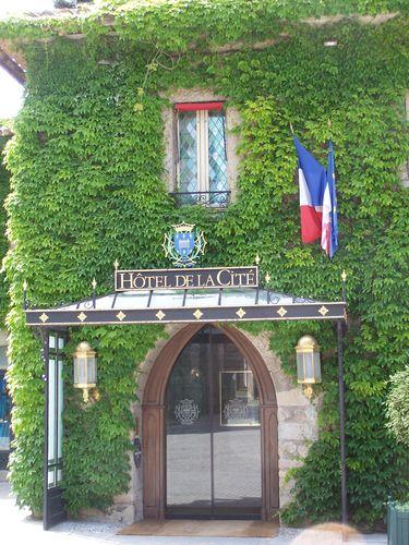 Carcassonne-hôtel de la cité -entrée