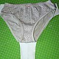 Tuto: comment réaliser une culotte pour un enfant, ou comment utiliser ses chutes de jersey plutot que de les jeter