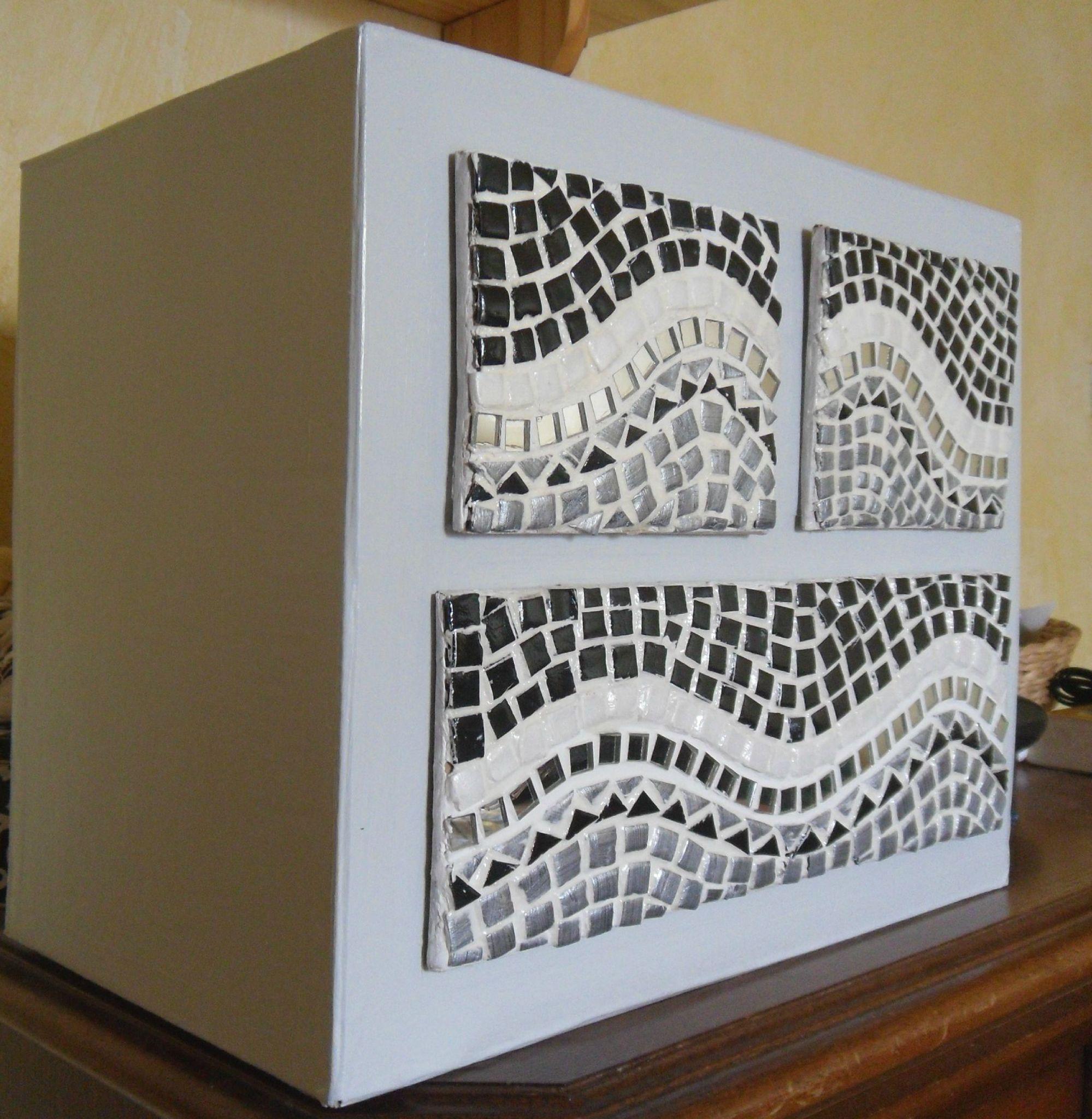 des ides qui cartonnent meuble en carton fausse mosaque rcup - Idees Mosaiques Image