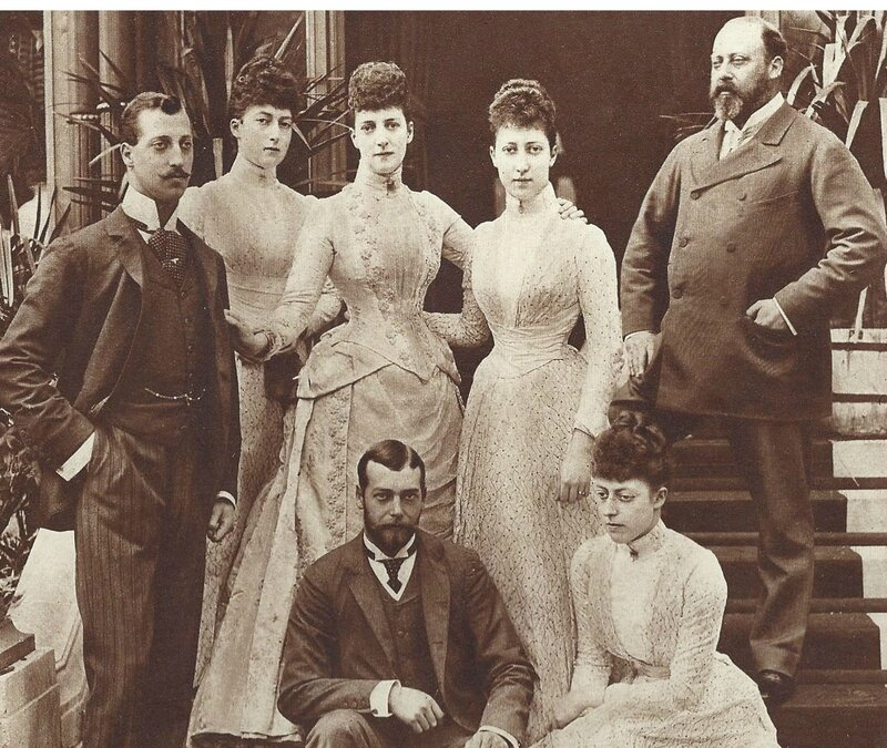 edward-VII-and-family-Queen-Alexandria-daughters-and-future-George-V-and-the-later-Duke-of-Clarence-who-died-from-Influenza-1892