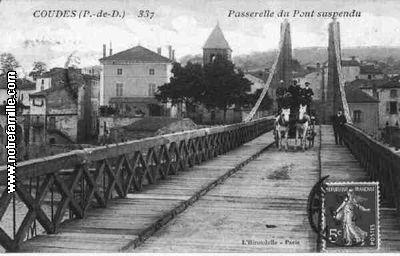 cartes_postales_photos_Passerelle_du_Pont_Suspendu_COUDES_63114_63_63121001_maxi