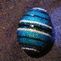 oeuf décoré de perles
