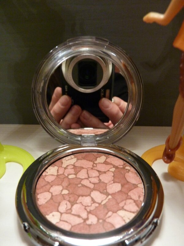 MOSAIC BLUSH CENERATION NEXT de chez KIKO 02 New Sand Rose