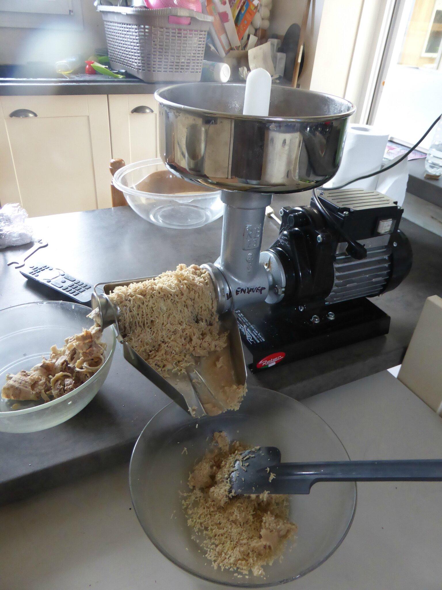 10 octobre confiture de ch taignes ou creme de marrons l 39 p pineuse c 39 est la facilit - Comment eplucher les chataignes ...