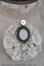 06-302252.Jeanne D'arc Vintage necklace small with rosette.01.JPG
