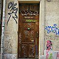 Street art marseillais - doors bashing