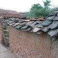 Maison dans le vieux village, tuiles en bouse de vache !