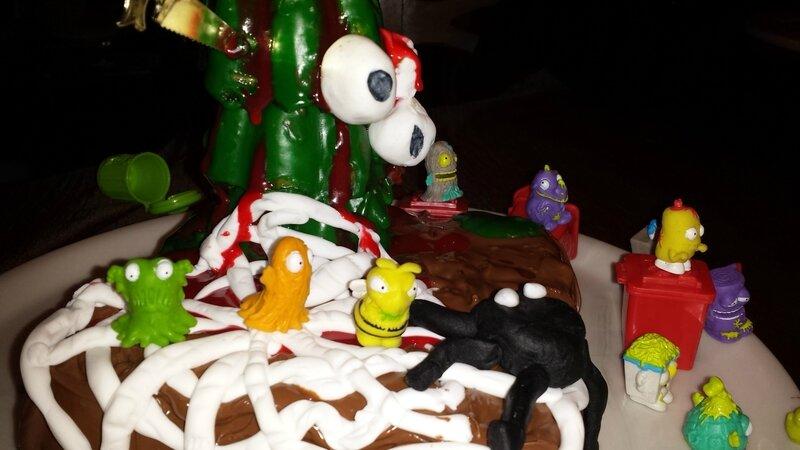 Gâteau Trash Pack détail 1