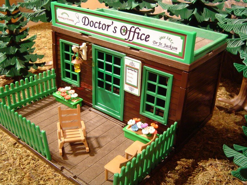 La maison du docteur doctor 39 s house playmobil tuning for Decoration maison western