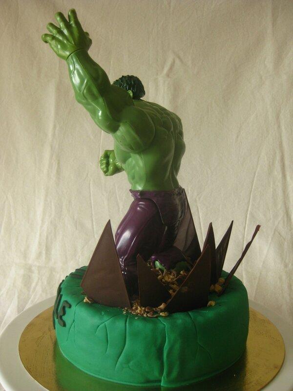 20160522 gâteau hulk (21)