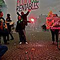Manifestation sur la place de la Bastille.