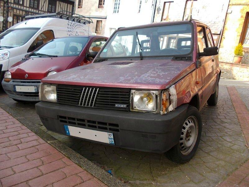 FiatPanda750CLav