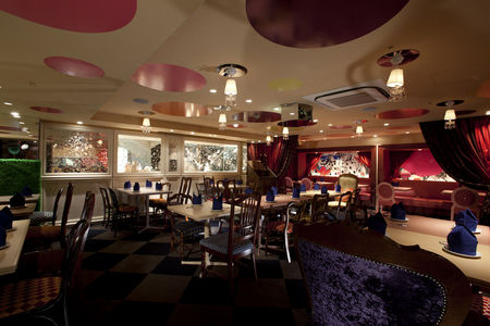 alice_in_wonderland_restaurant_08
