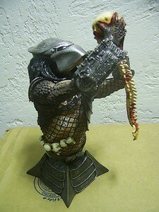 Predator_Special_Edition_Mini_bust_limited_2500ex1