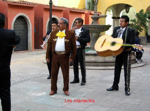 Les_mariachis