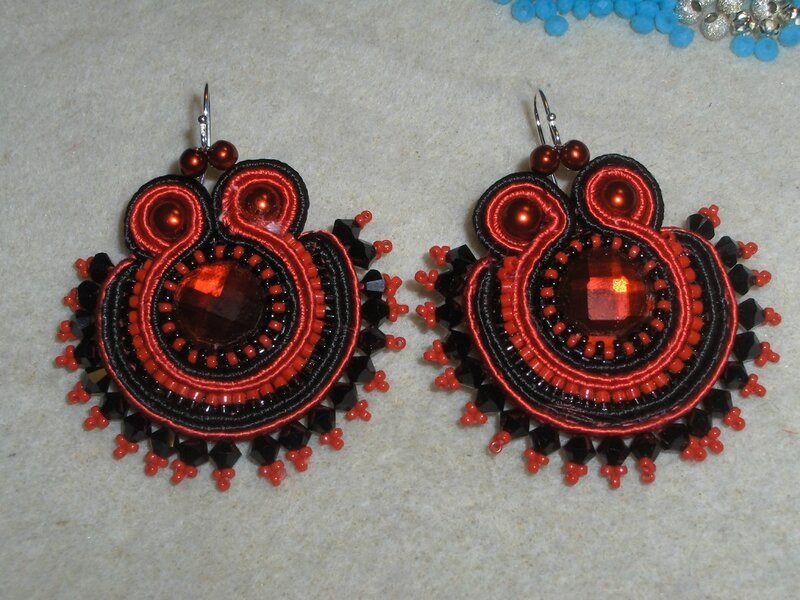 bo rouge soutache