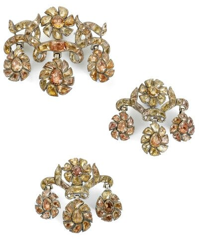 An 18th century topaz girandole pendant and pair of earrings, Portuguese