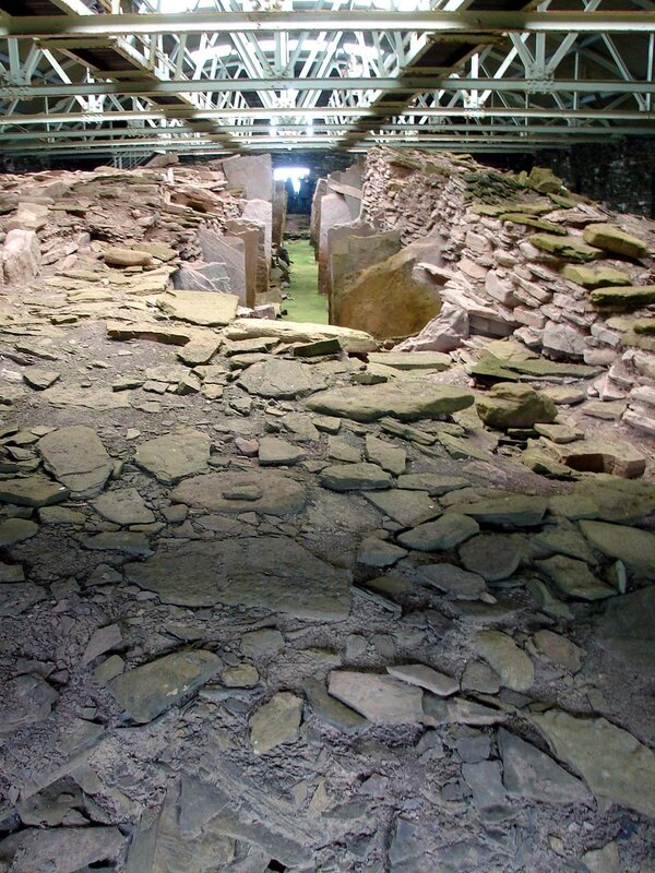 Rousay_Midhowe_cairn_7