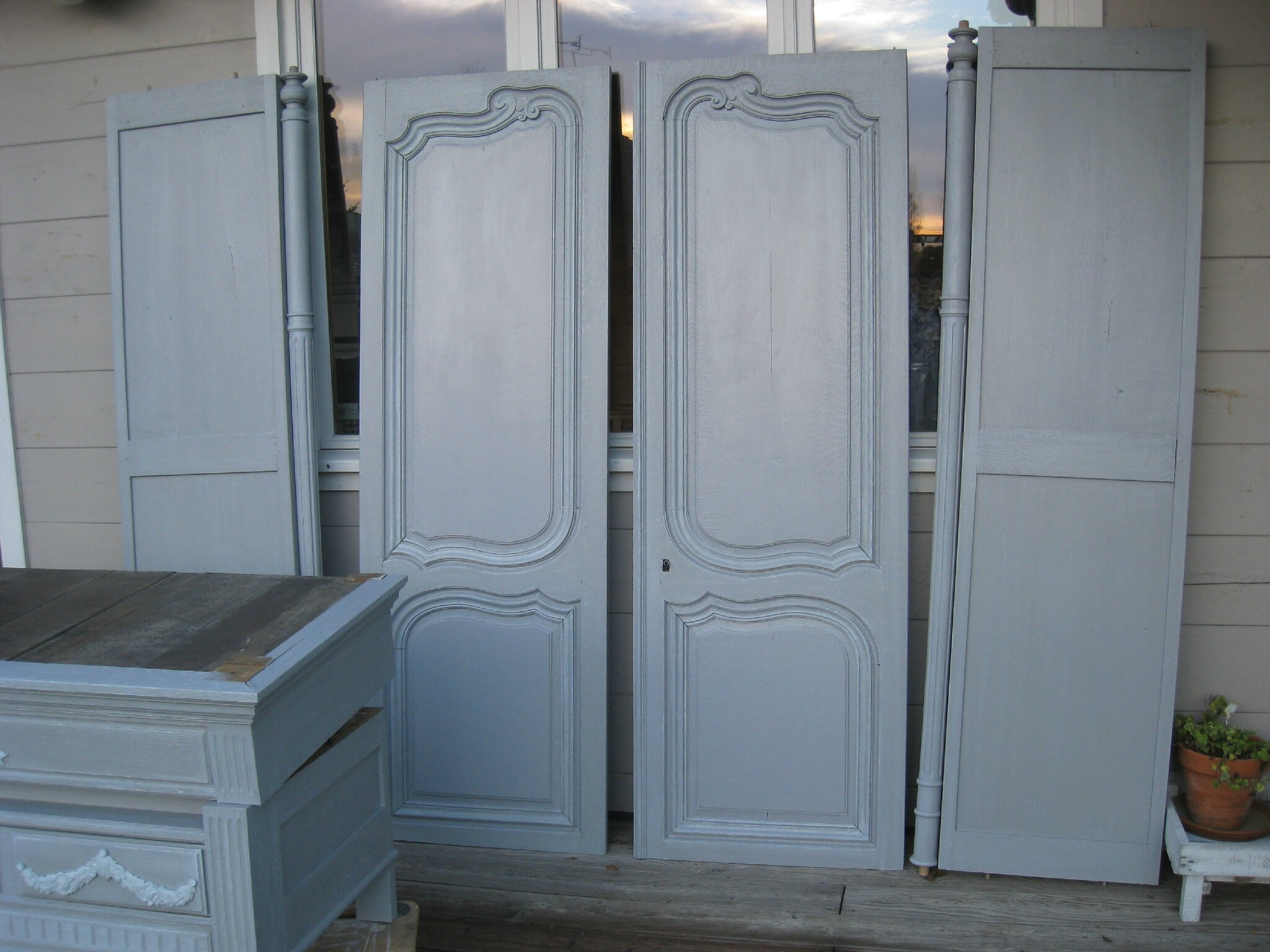 armoire ancienne relook e patines couleurs. Black Bedroom Furniture Sets. Home Design Ideas