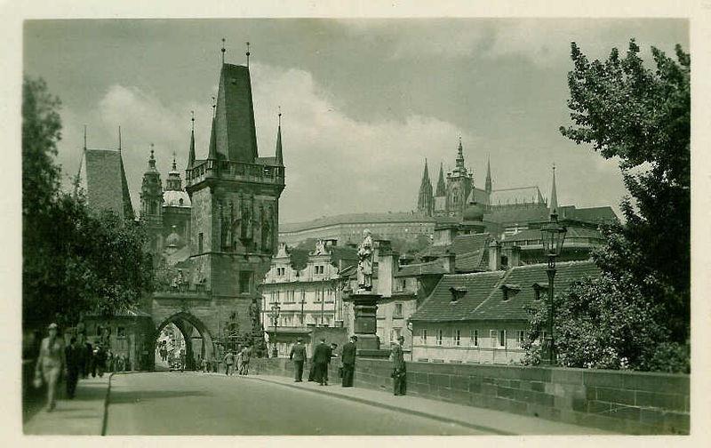 Prague : Pont Charles Tour Poudrière acpgkrgef3945