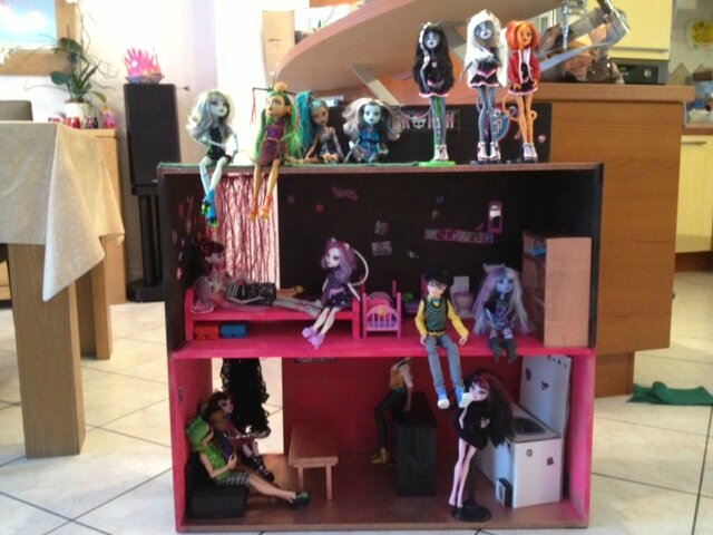 meuble monster high. Black Bedroom Furniture Sets. Home Design Ideas